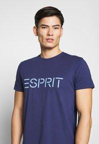 Esprit - LOGO - T-shirt z nadrukiem - dark blue - 4