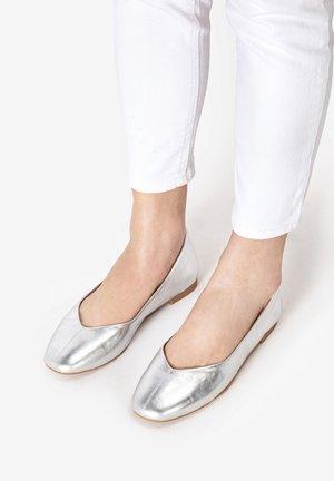 Ballet pumps - silver slv