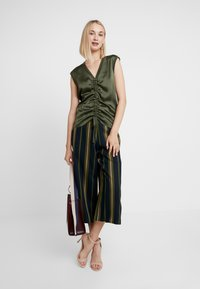 Ted Baker - BASILA - Trousers - navy - 2