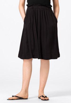 MIT GUMMIZUG - Pleated skirt - schwarz