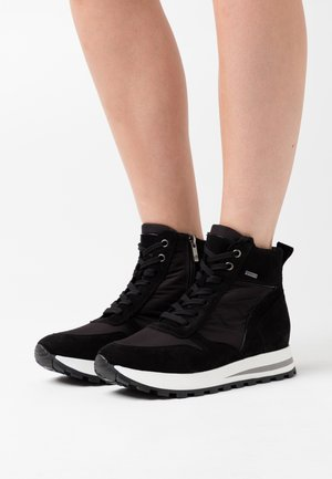 DAGIE - High-top trainers - black