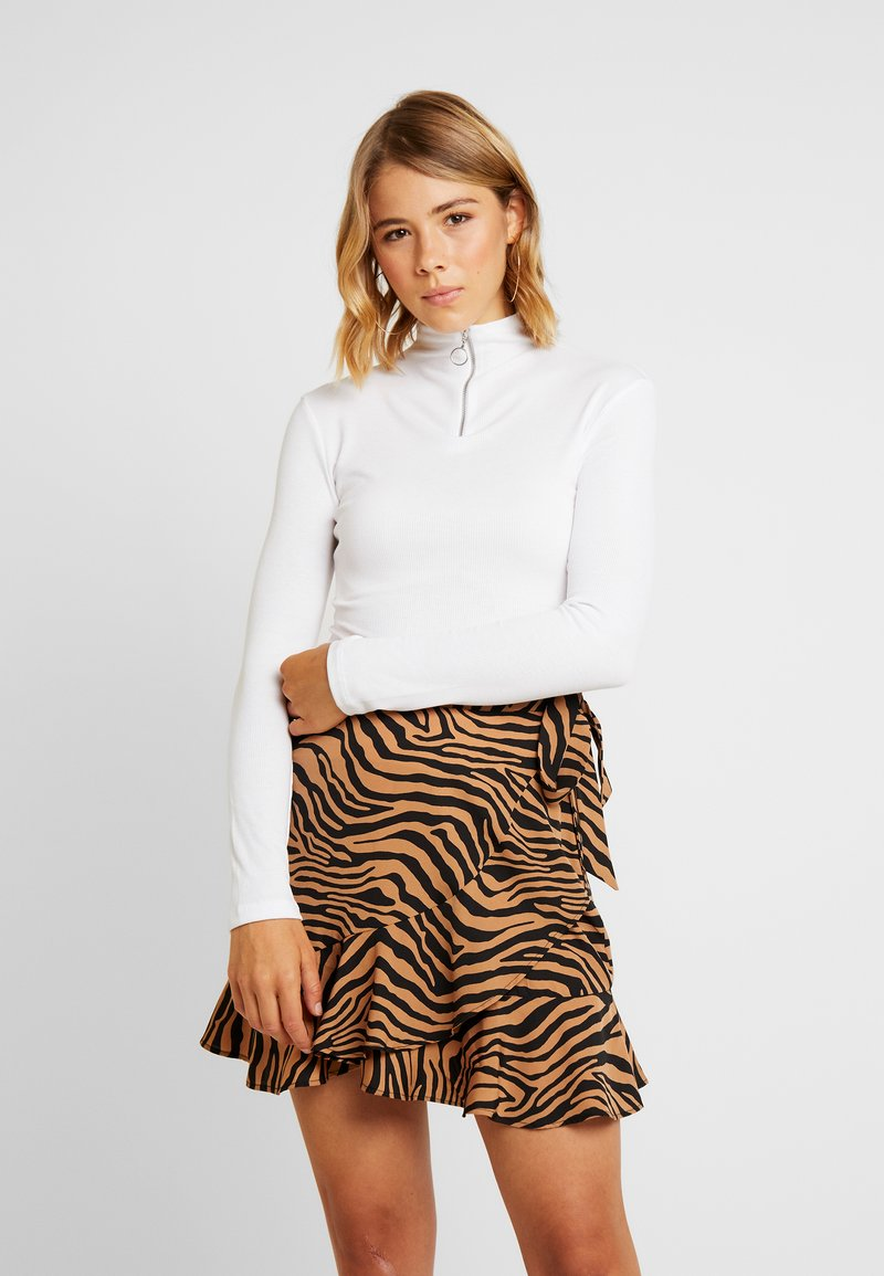 Missguided - O RING ZIP UP LONG SLEEVED - Long sleeved top - white
