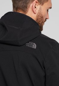The North Face - NIMBLE HOODIE - Softshellová bunda - black - 5