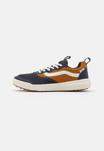 UA ULTRARANGE RAPIDWELD - Sneakers - india ink/pumpkin spice