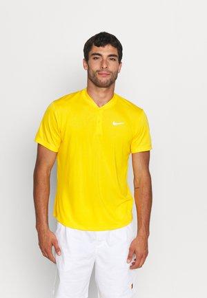 BLADE - Basic T-shirt - university gold/white