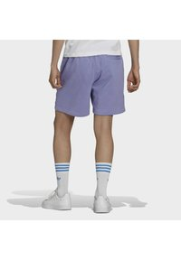 adidas Originals - PREMIUM SHORT - Kraťasy - light purple - 2