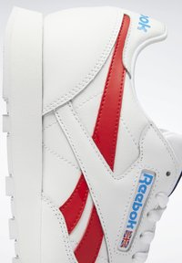 Reebok Classic - CLASSIC LEATHER SHOES - Sneakers laag - white - 11
