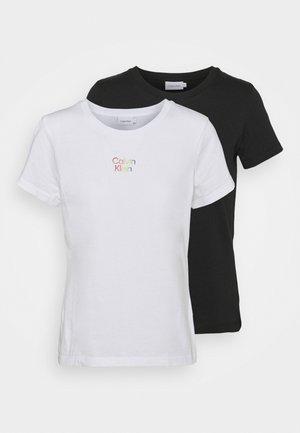 PRIDE COUPLES TEE 2 PACK - T-shirt z nadrukiem - black/bright white