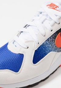 Nike Sportswear - AIR SKYLON II - Trainers - white/team orange/hyper royal/black - 5