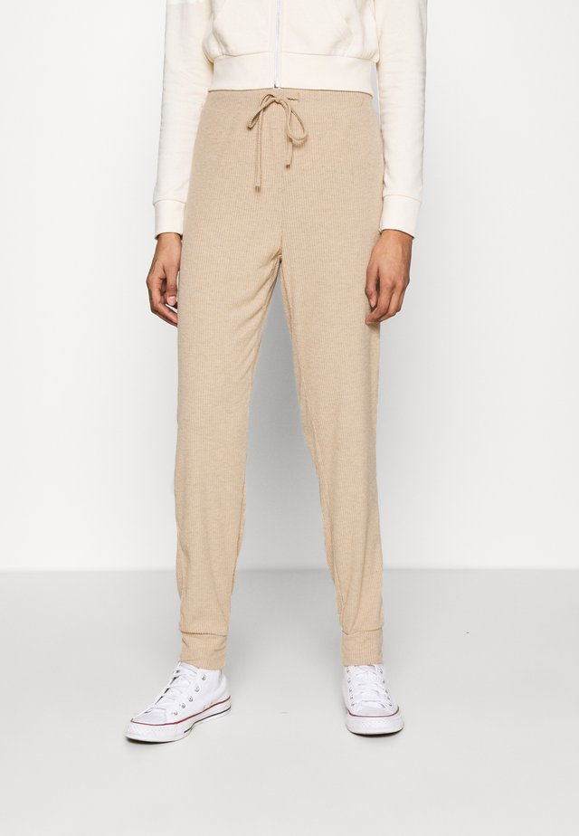 ONLZOE LONG PANTS  - Teplákové kalhoty - beige