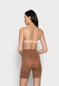 Cotton On Body - SMOOTHER SHAPER HIGH WAIST SHORT - Shapewear - cappucino - 2
