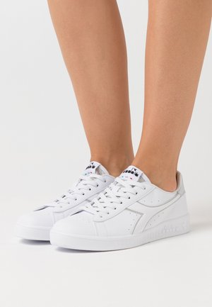 GAME - Sneaker low - white/silver