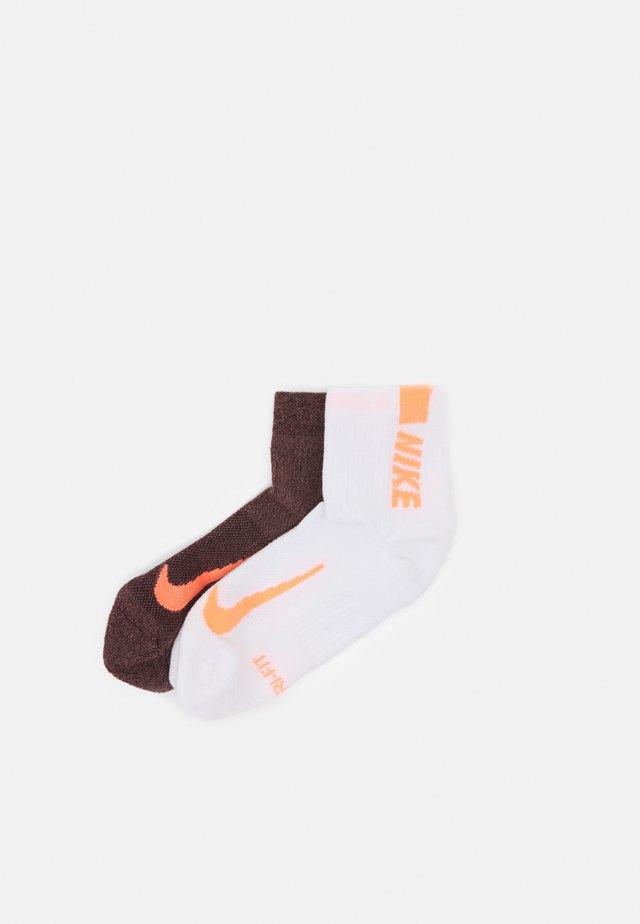 ANKLE 2 PACK UNISEX - Sports socks - mahogany/white