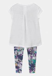 Nike Sportswear - STUDIO FLORAL SET - Print T-shirt - multi-coloured/white - 1