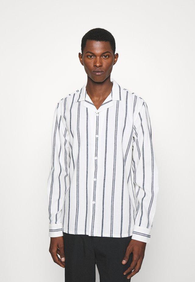 STRIPE - Shirt - blanc de blanc