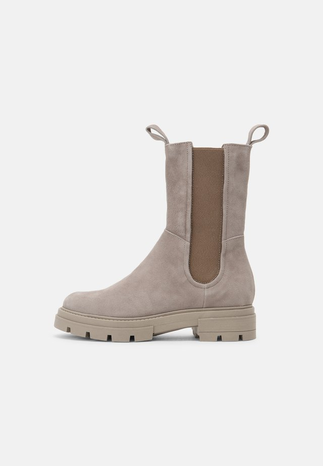 Platform boots - opale