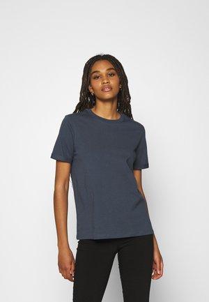 PCRIA FOLD UP SOLID TEE - Jednoduché triko - ombre blue