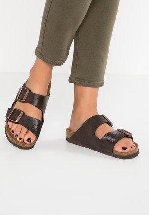 ARIZONA - Slippers - brown