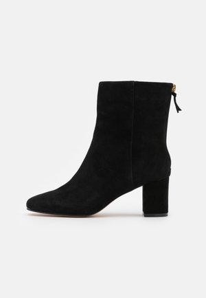 MINIMAL MCKAY - Classic ankle boots - black