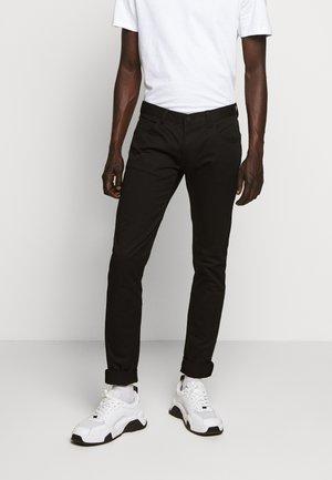 5 TASCHE - Slim fit jeans - nero