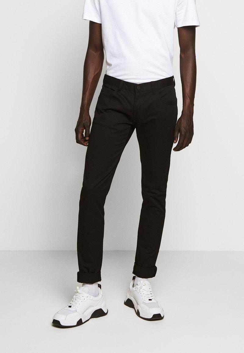 Emporio Armani - 5 TASCHE - Slim fit jeans - nero