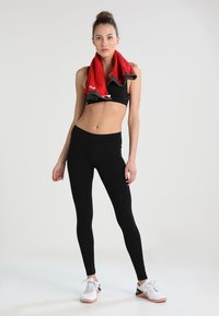 ONLY Play - ONPMARTINE SEAMLESS SPORTS  BRA - Sport BH - black solid - 1