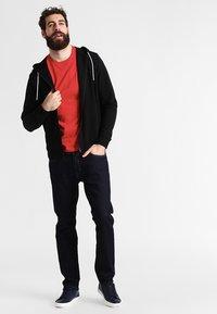 Lacoste - T-shirt basique - rouge - 1