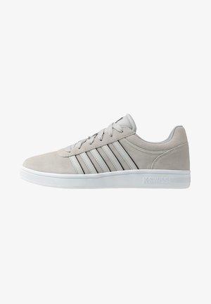 COURT CHESWICK - Sneakers laag - vapor blue/black/white