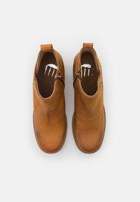 mtng - NAIARA - Kotníkové boty na platformě - brown - 5