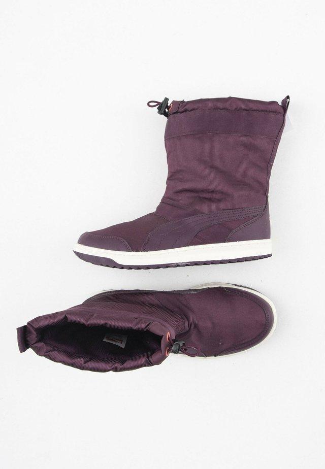 Snowboots  - purple