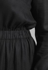 MY TRUE ME TOM TAILOR - FLUENT ELASTIC WAIST DRESS - Day dress - black - 5