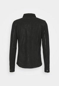 Tigha - TENNER - Camicia - black - 1