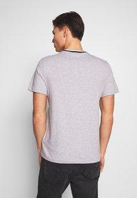 Lacoste - T-shirt basique - silver chine/navy blue-/flour/bordeaux - 2