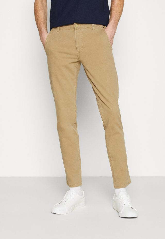 SMART FLEX ALPHA SKINNY LIGHTWEIGHT - Chino kalhoty - new british khaki