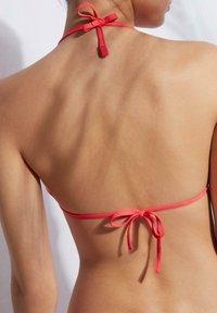 Calzedonia - MIT VERSCHIEBBAREN CUPS INDONESIA ECO - Bikini top - glossy red - 1
