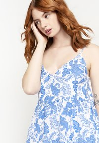 LolaLiza - FLOWER PRINT - Maxi dress - white - 3