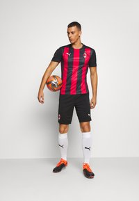 Puma - AC MAILAND TRAINING SHORTS - Sports shorts - black - 1