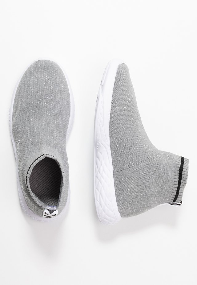 TERRAFLY SOCK RUNNER  - Sneakers high - silver