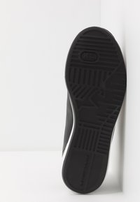 Emporio Armani - Sneakers - black/gold - 4