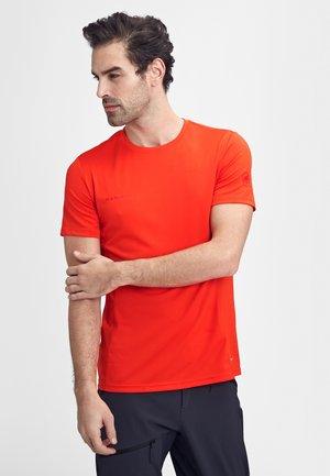 SERTIG  - T-shirt basic - spicy