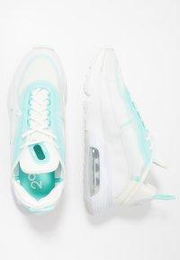 Nike Sportswear - AIR MAX 2090 - Sneakers basse - sail/black/aurora green/summit white - 1