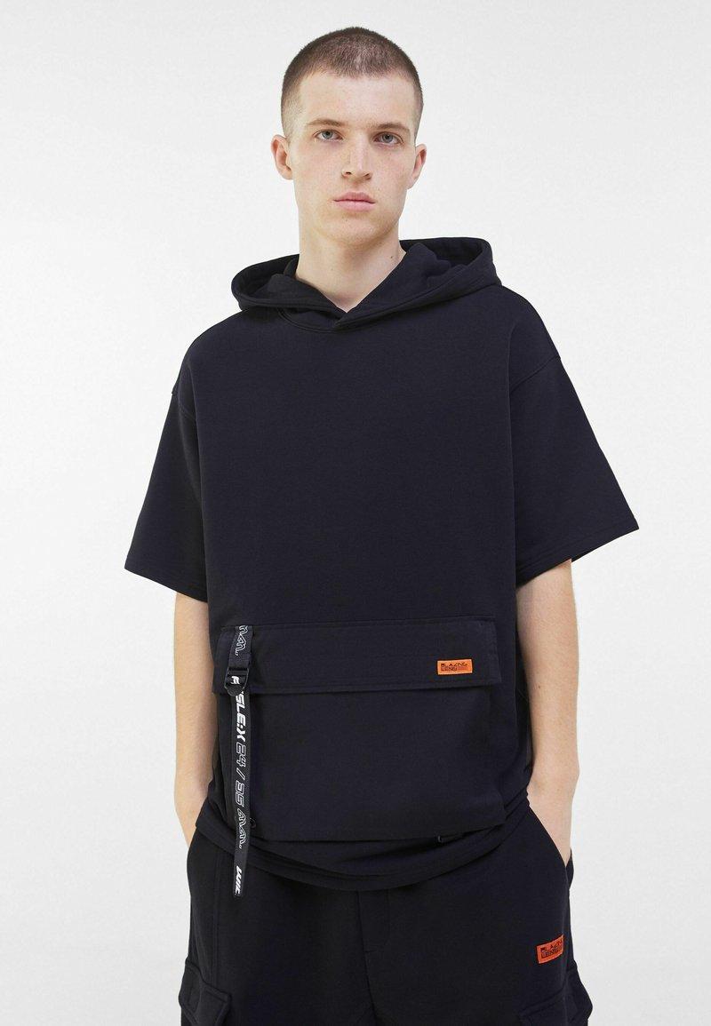 Bershka - Bluza z kapturem - black