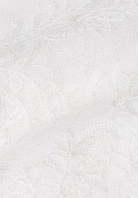 IVY & OAK - MIT ÄRMELN - Cocktail dress / Party dress - snow white - 4