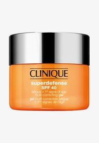 SUPERDEFENSE GEL SPF40 - Face cream - -