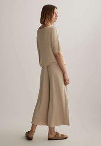 OYSHO - Pantalon classique - beige - 2