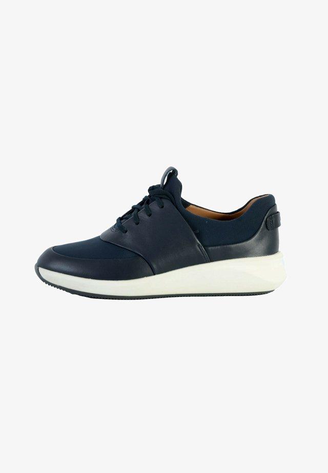 CLARKS UN RIO RUN - Sneakers laag - combi marine