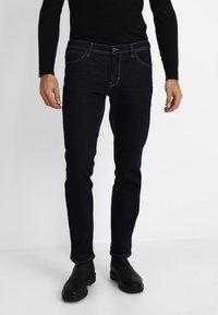 TOM TAILOR - JOSH - Jeans slim fit - clean rinsed blue denim - 0