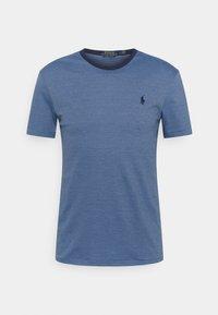 Polo Ralph Lauren - CUSTOM SLIM FIT SOFT COTTON T-SHIRT - Print T-shirt - cabana blue/french navy - 0