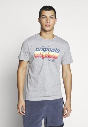 JORVENTURE - Camiseta estampada - light grey melange