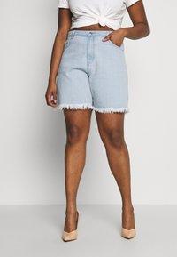 Missguided Plus - FRAYED LONG LINE  - Denim shorts - stonewash - 0